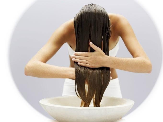trattamento olio ai capelli