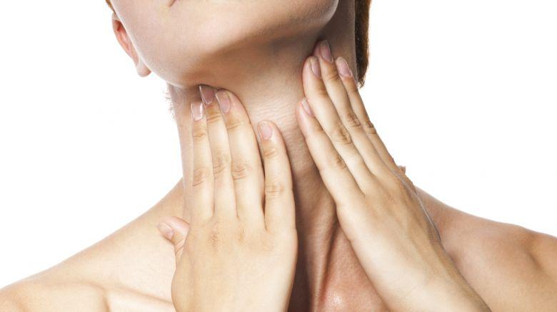 collo massaggio automassaggio