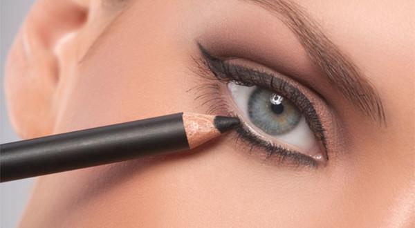 matita occhi makeup